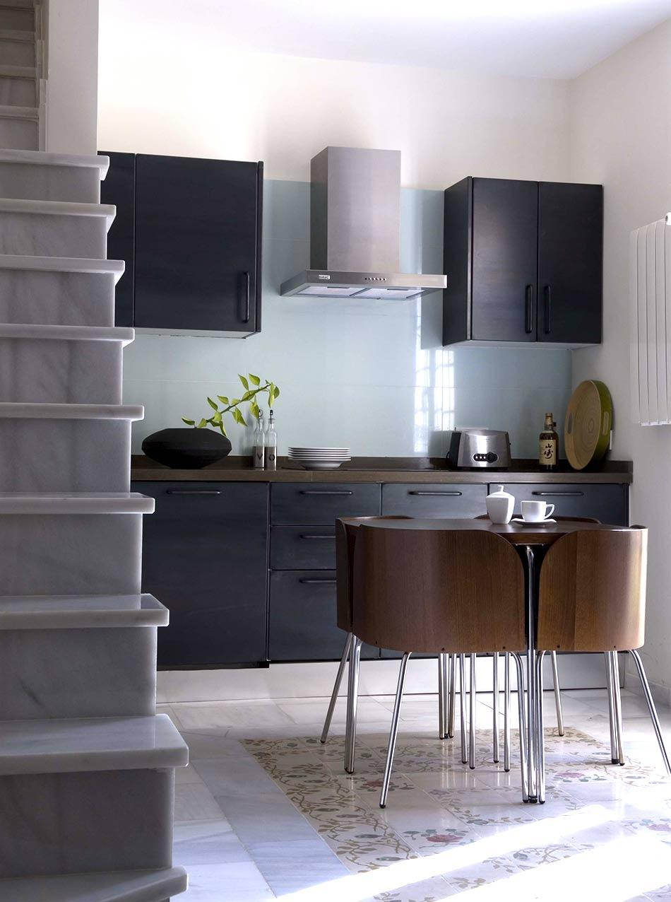 Küche aus schwarzem Eisen